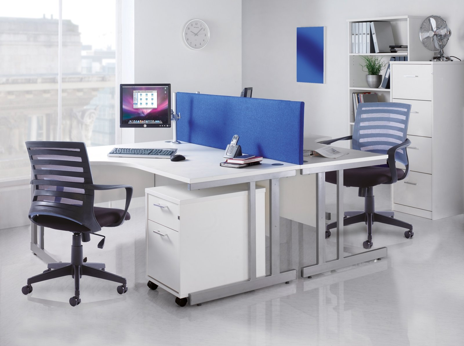 Momento Straight Desk With Cantilever Leg 1000 X 800mm